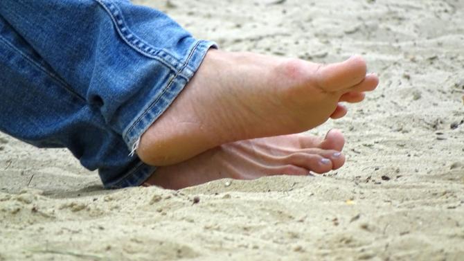 Fuesse_im_Sand_Jeans_02
